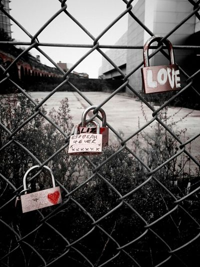 Love 4 Ever Urban Love Red Fence Heart WeAreJuxt.com Locks TheMinimals (less Edit Juxt Photography) Android Lovers Andrographer Street