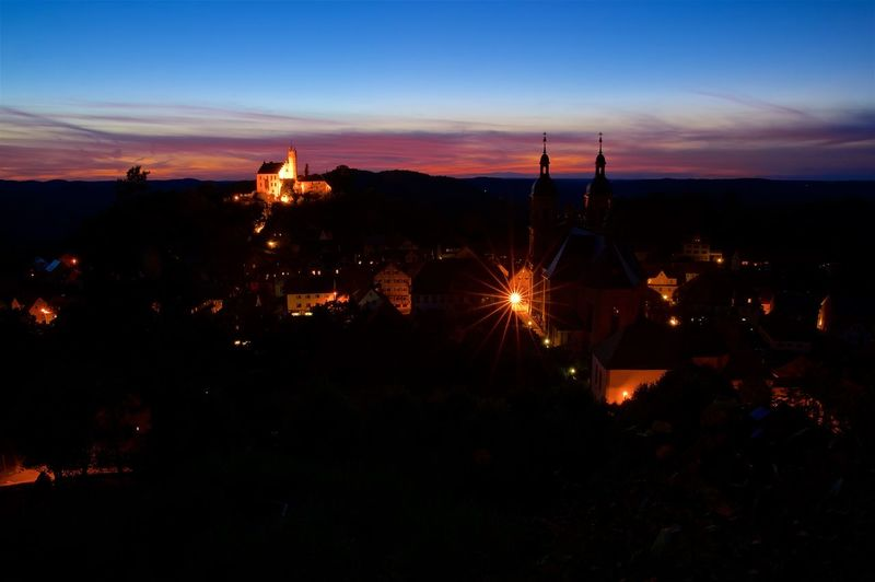 "A nightly view to the ""skyline"" of Gößweinstein, a small town in the franconian switzerland. The picture shows the castle and the basilika (build from Baltasar Neumann) which are both very famous and well known sights of the area. Baa Basilika Basilika Gößweinstein Bayern Burg Göß Colors Fränkische Schweiz Germany Gößweinstein Lights Long Exposure Nightphotography Outdoors Sunset"