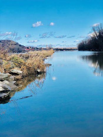 An der blauen Donau Fluss Strom Heimat Niederösterreich Weltkulturerbe Wachau Donau Reflection Tranquil Scene Water Tranquility Beauty In Nature Nature Scenics Sky No People Outdoors Day Blue Landscape