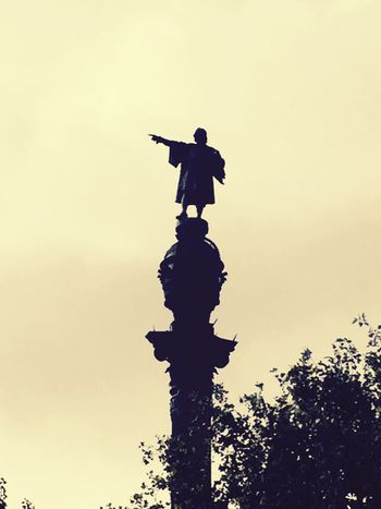 Monument Colon. Barcelona Port De Barcelona  Statue