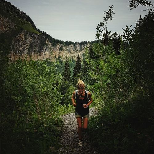 Leisure Activity Beauty In Nature The Color Of Sport Trail Running Full Length Tranquility Green Color Mountain Landscapes Alpes Alps Mountain View EyeEm Nature Lover Square Format Lovers