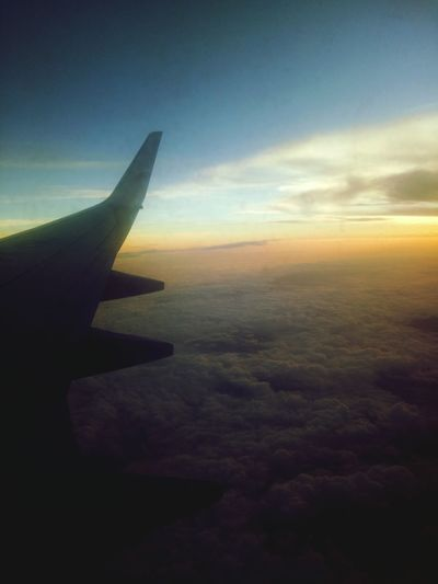 twilightscape EyeEmNewHere Twilight Twiligth Sky Twilightscapes Cloud - Sky Sky Airplane Aerial View No People Nature Flying Beauty In Nature Horizon Outdoors Air Vehicle Love Yourself