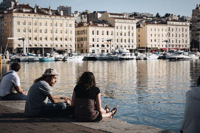 대화 Marseille Vieux Port Oldport Sunset Boyandgirl People Garçon Homme Conversation Day Jour
