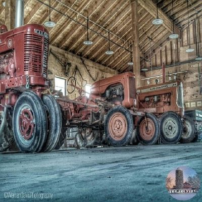 Horse Tractor Silo Backwoods Barn Rural Cow Rustic Country Livestock Americana Agriculture Backroads Farmlife CountryLivinG Rural_america Barnsniper Trailblazers_rurex Trb_collabs Trailblazers_urbex Trailblazers_bnw Trailblazers_macro Trailblazers_rural Trailblazers_barns Trb_creature_feature Countryroads Trb_country Rural_living Barnstalking Barnstorming