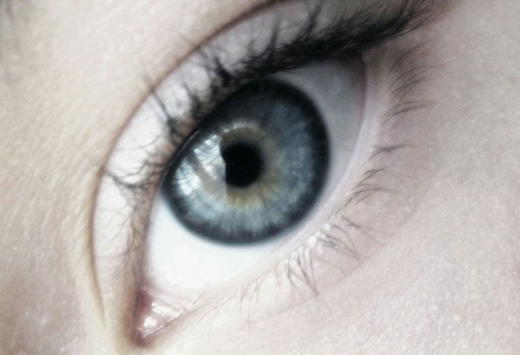 I just found an old shot of my sister's eye.. Old Photos Eyeporn Eyes With My Sister  Detail Mobilephotography Deepblue Beautiful Eye
