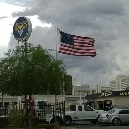 Took a few shots but I got it?Lasvegas Usflag USVets Instapic instadaily instagram flag instaflag patriotic