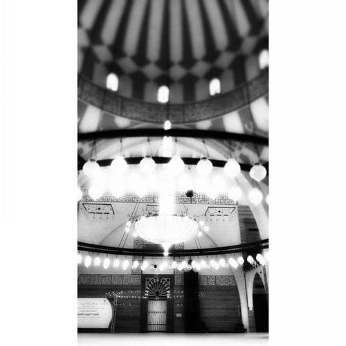 اللهم اذق قلوب أحبائي في جمعتك هذه من برد عفوك وحلاوة حبك وافتح مسامع قلبهم لذكرك وخشيتك واغفر لهم بكرمك اللهم اجعل تواصلنا بر وكلامنا ذكر وصحبتنا في الله طول العمر. _______ استغفر_الله_واتوب_اليه _______ Bahrain Riffa Manama Juffair Islamic_mousqe Instagramers Instagramhub Instagram Instagood Instarepost Instadaily Instapic