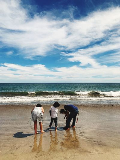Family With Two Children Mexico Vacation Sea Water Beach Land Sky Horizon Over Water Lifestyles Sand Scenics - Nature