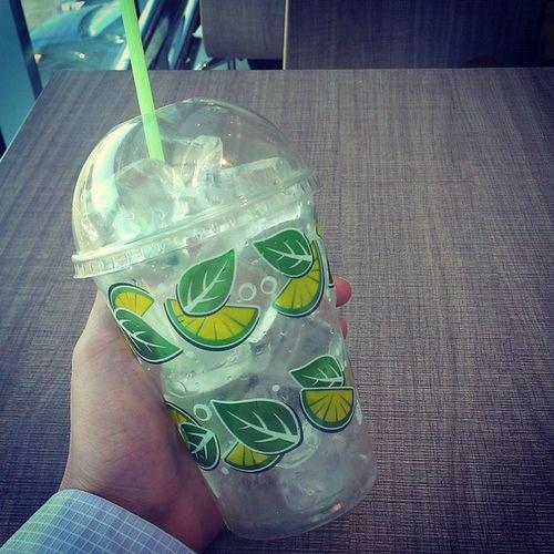 Полный стакан льда - вот что я люблю!