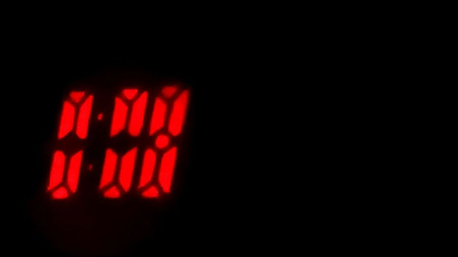 Digital Clock Light Projection 0.00h End/start Of Day Projection Clock Projections Watch The Clock Time Zeit What's The Time Sylvester Beliebte Fotos Popular Photos Clock Watching Clocks No People Break The Mold