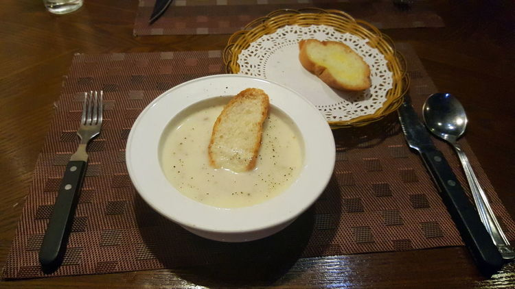 Wine & Dine in Dongguan, China Food And Drink Garlic Bread Indoors  Mushroom Soup  Ready-to-eat Table Settings