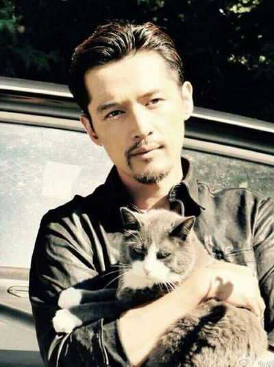 【 23:00 HIM ❤️❤️❤️】Bearded uncle... 男神来也! Huge Hansome Cat Man Love Best EyeEm Shot Chinese Uncle First Eyeem Photo