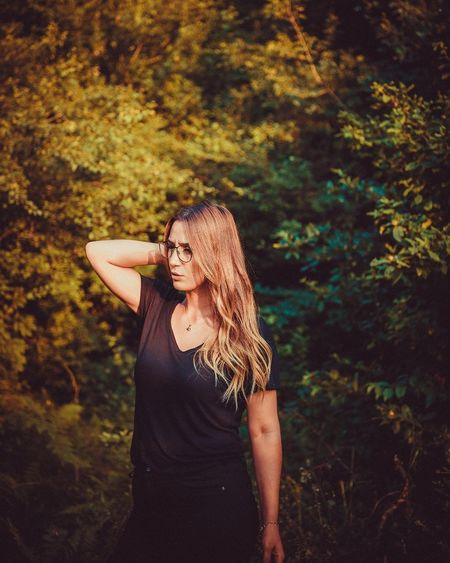 EyeEm Selects People Young Women One Woman Only Fashion Nature Beauty Long Hair Leaf Autumn Only Women Beautiful Woman Portrait Forest Beautiful People Nature Bolu TURKEY Outdoors Plant Bolu..TURKEY