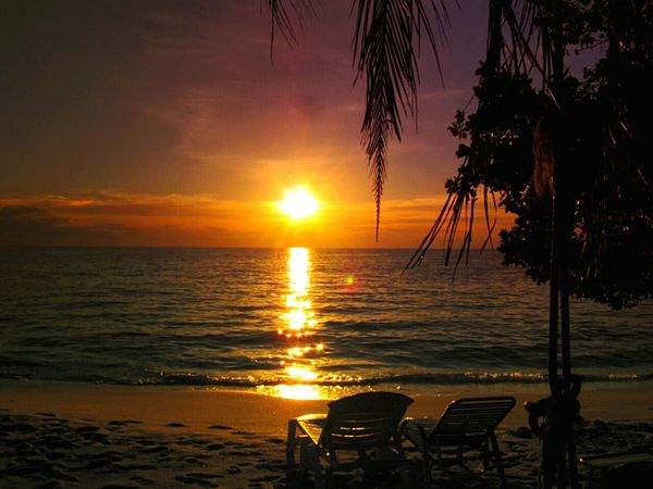 Life Is A Beach Relaxing Sunset Koh Kood Thailand Sea And Sky Amazing Thailand Enjoying Life Beach Holidays