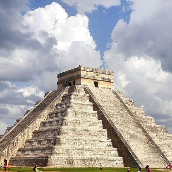 El Castillo Maya Ruins Architecture Pyramid Yúcatan Mexico 7wondersoftheworld Chichen Itza Lost Worlds Central America