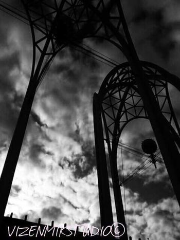 Space Needle EE_Daily: Black And White B/W Photography Seattle Queenanne Bnw_friday_eyeemchallenge