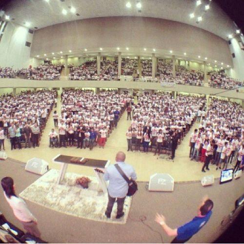 Deus e especialista em nos surpreender, foi indescritível o que Deus fez em nosso meio no 1 dia do seminário da Juventude Um. Noite de Renovo, muita alegria. Juntossomosfortes JUVENTUDEUM Vamosjuntos