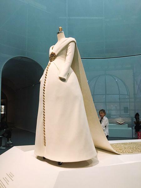 Museum dress | Dress Manusxmachina Couture Altacostura Vestido  NYC NYC Photography NYC LIFE ♥ Nycmuseum Museum Museo Met Themet MetropolitanMuseumofArt Art Arte New York Newyorkcity Newyorknewyork