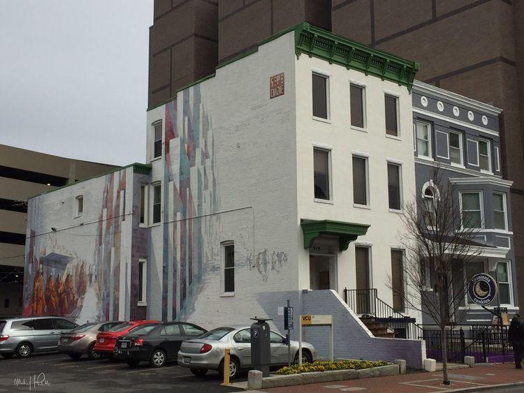 2017 | Photo: Michael F. Pichette Building Exterior Day Mural Streetphotography Streetart Architecture Richmond, VA RVA