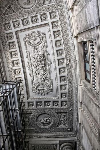Centro Storico Di Napoli Elementi Architettonici Galleria Umberto Napoli Motivi A Meandro Napoli Piazza Del Plebiscito Restauro Rilievi Marmorei Teatro San Carlo