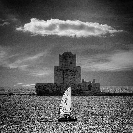 Methoni Castle Cloud Sailing Sky Cloud - Sky Nature History The Past Travel Sea