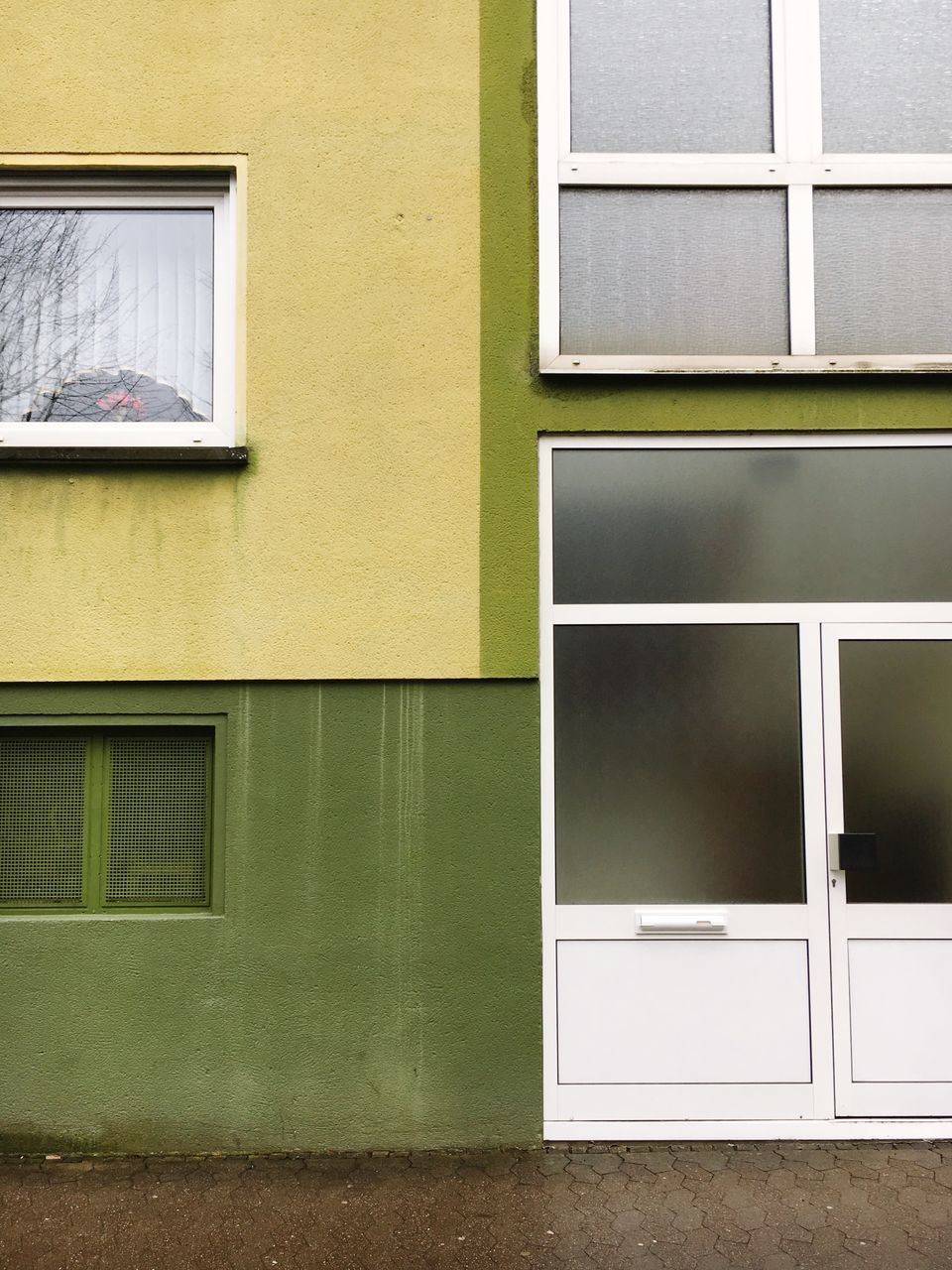window, architecture, built structure, building exterior, no people, day, outdoors, close-up