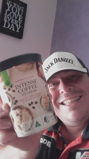 WOOLWORTHS Select Intense Coffee Ice Cream