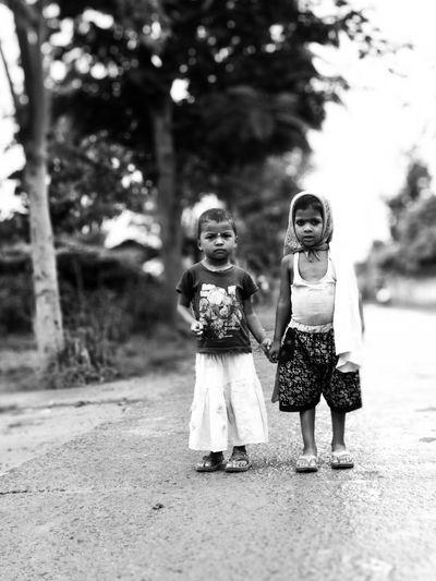Friendship Little Girl Child Childhood Full Length Girls Tree Fashion