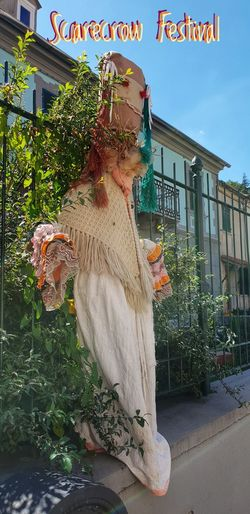 Scarecrow Festival EyeEm Gallery Female Likeness Shawl Scarecrow Scarecrows Scarecrow Festival Scarecrow...👒🌾 Scarecrow_contest Scarecrow, Guy, Jackstraw, Sketch EyeEm Best Shots Eye4photography  EyeEm Selects EyeEm EyeEmBestPics Clothes Smiling Fun Sky Building Exterior Street Art Residential Structure