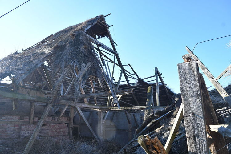 Alte Scheune Sky Wood - Material No People Nature Day Abandoned Clear Sky Obsolete Damaged Architecture Built Structure Wood Old Land Run-down Outdoors Blue Transportation Broken Metal Deterioration Ruined Fishing Industry Ruins Scheune Verfallen