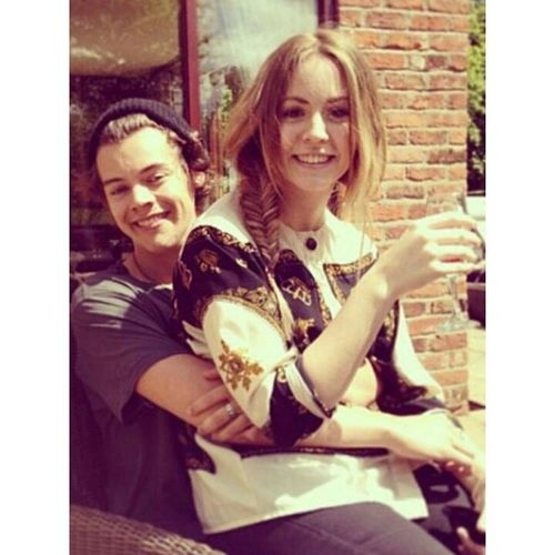 Gemma Styles is my WCW She isnt famous, but she is to directioners (: She's nice and amazing hahah HarryStylesSister Girlcrush Gemmaisthebetterstyles HAHAHA HumpDay