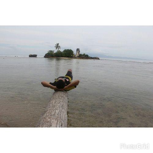 all journeys have secret destinations of which the traveler is unaware (MartinBuber ).. 🚀 location: -5.662326, 104.885546 👣 pantai KarangPutih pekon/desa Putihdoh kecamatan Cukuhbalak kabupaten Tanggamus Lampung