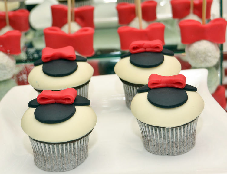 cupcakes Birthday Cupcakes Black Close-up Cupcakes Day Design Indoors  Mouse No People Red Red