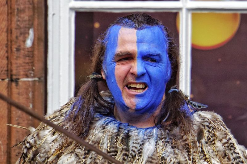 Bravehart One Person Front View Real People Outdoors Lifestyles Leisure Activity Looking At Camera Day Portrait Architecture Happiness Smiling Halloween Close-up People Streetphotography Street Performer Braveheart Scottish