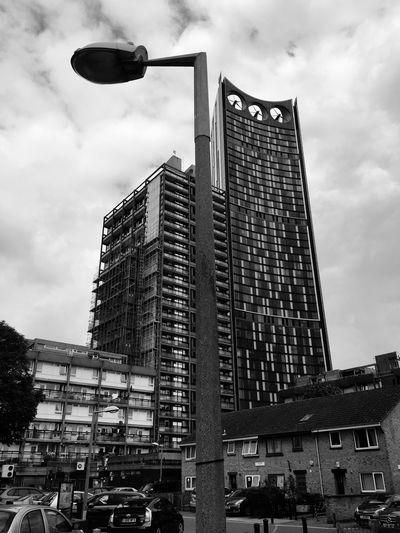 London Elephant&castle Urban Architecture Street Light Skyscraper Building Exterior Built Structure City Sky Tall - High