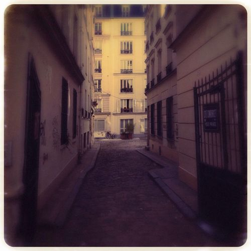 Streetphotography Hipstamatic Paris AMPt - My Perspective
