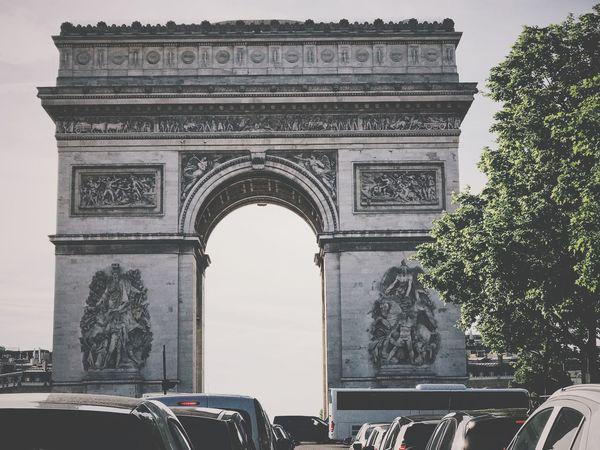 Paris L'arc De Triomphe Paris Architecture Arch Triumphal Arch Built Structure Tourism History The Past Travel Destinations Travel Monument City Memorial Sky Outdoors Day