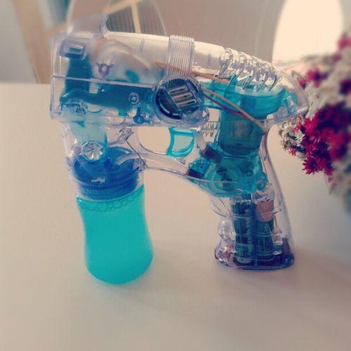 ArtigoFamiliar —Máquina de fazer bolhas de sabão.