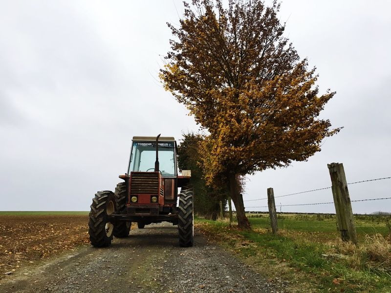 Coutryside Campagne ❤ Campagnefrançaise Campagne Nord De La France French Countryside Autumn Automne Tractor Tracteur Someca Fiat Vieux Tracteurs Chemin De Campagne