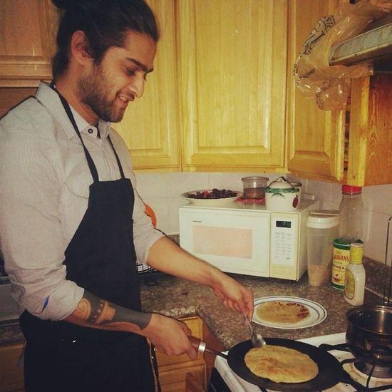 Foolin around cooking puri .. Awww yiss Youmadbro Cooking Posing