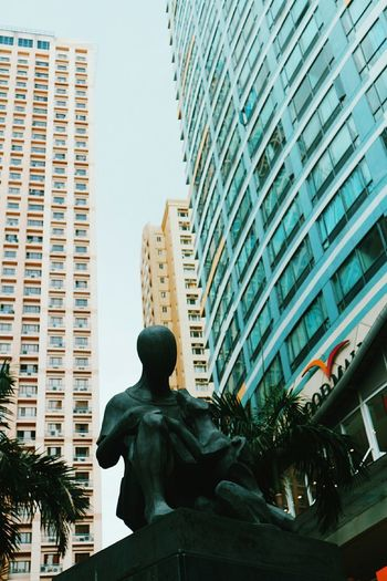 Buildings Monument City Outdoor Photography People And Places Eastwood City Canon Eosm10 Streetphotography Walkingaroundlookingatthings I❤ph
