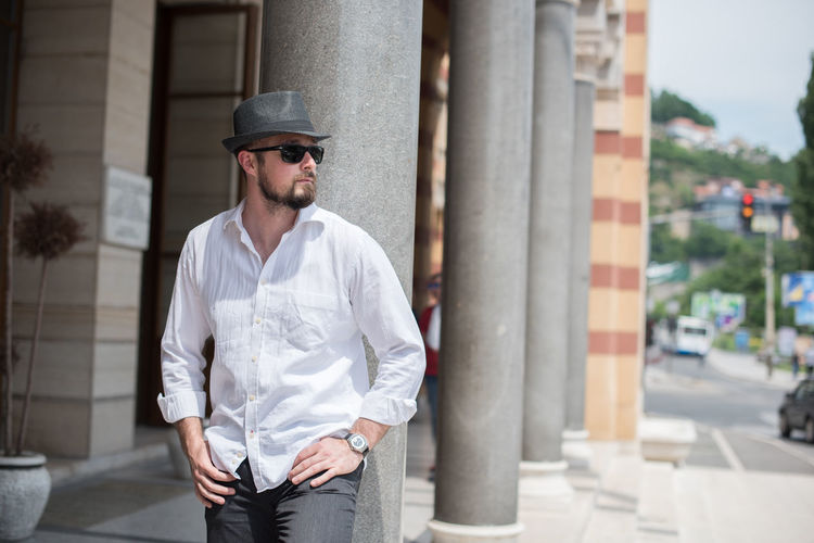 Beard One Man Only Only Men Casual Clothing One Person Adults Only Sunglasses Adult Mid Adult Front View Fashion Standing Outdoors Individuality Focus On Foreground People Confidence  Building Exterior Day Portrait