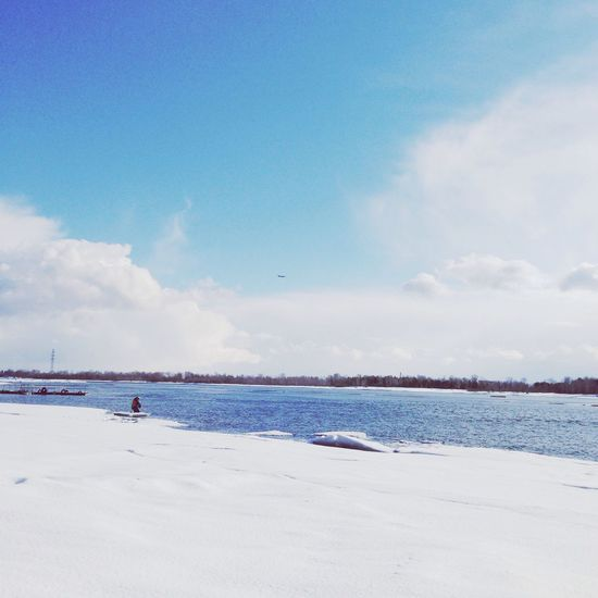 Sky Water Sea Outdoors Day Cloud - Sky Nature Beach Scenics Horizon Over Water Beauty In Nature Real People Cold Temperature One Person People Siberia Nature