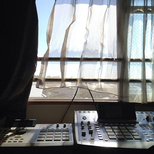 朝からいい天気なんで模様替え。MPC並べてみた。 Sampler Webstagram Photoftheday MPC Mpc4000 Akai Mpc2000xl