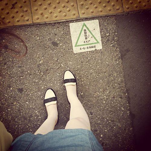 ちょっとでも濡れたらイヤだから常に長靴履いてたい!でも降りそで降らないこんなときは履いてたらちょっと恥ずかしいぢゃない?通勤時間雨マークないから長靴はかなかったよ?濡れたら許さない。あめきらい