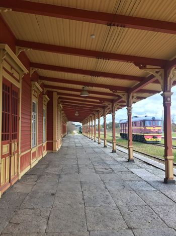 Platform Train Station Wooden Estonia Baltics2k16 Architecture