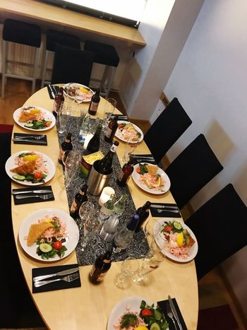 Food And Drink Food High Angle View Table Freshness Indoors  Ready-to-eat Still Life No People Plate Serving Size Healthy Eating Wellbeing Sushi Asian Food Home Interior Restaurant Choice Meal Bowl