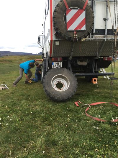 Trouble Changing Wheel ShitHappens Kid Iceland216