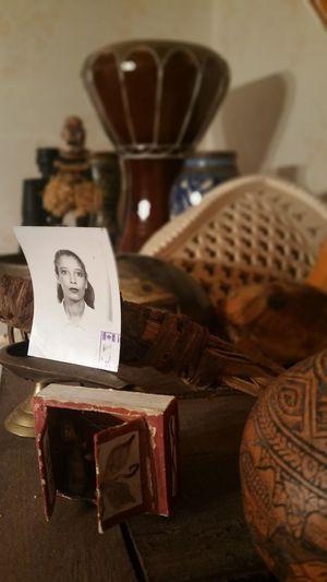 Artefacts Portrait Maroc Mom Canada Quebec Anthropology