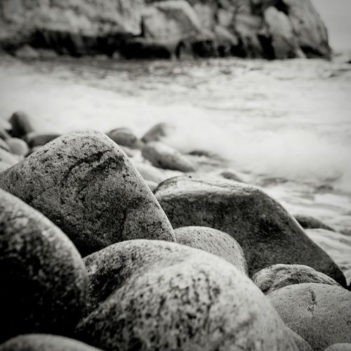 Te veo te pienso mucho...😘😘😘 Beach Sea Rock - Object Beauty In Nature Outdoors Love ♥ My Obsession Pensamientos En Voz Alta Love Is In The Air Mimundoytu Aprenent